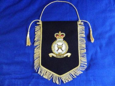 ROYAL AIR FORCE REGIMENT ( RAFR ) BULLION WIRE EMROIDERED PENNANT